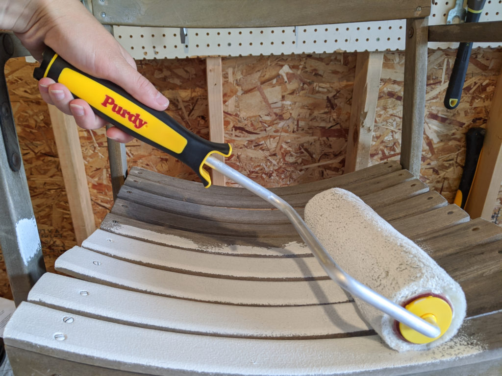 Painting Wood Outdoor Chairs Using the Purdy Lambskin Roller
