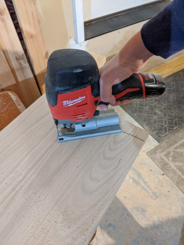 Using a jigsaw to cut out a semicircle from oak board