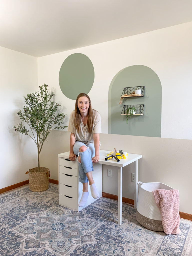 How to paint a perfect circle feature wall as shown in my office makeover