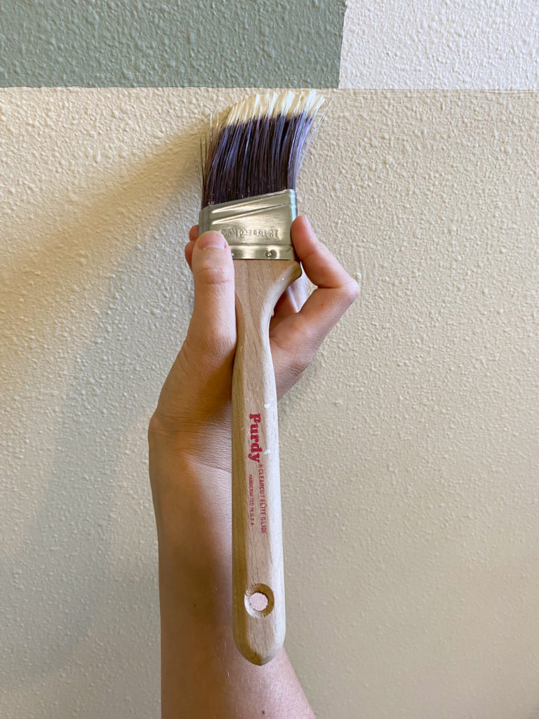 Painting a Crisp Line with a Purdy Clearcut Brush